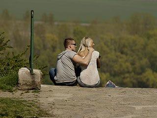 恋人ともっと仲良くなれる恋愛テク「相手に弱みを見せる」