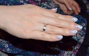 結婚している人に聞く!婚約指輪はいくらしました?