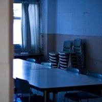 夜の会議室
