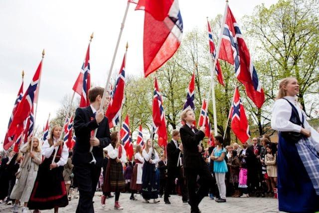 「ノルウェー 国旗」の画像検索結果