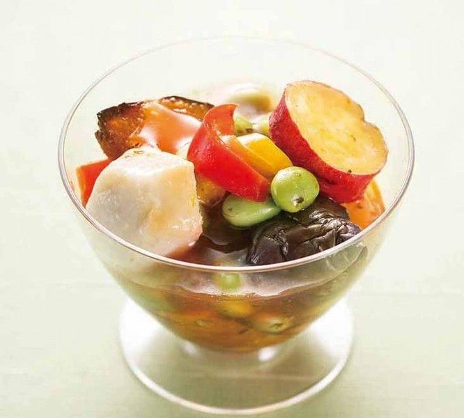 美濃吉「枝豆と夏野菜の梅肉涼風よせ」486円