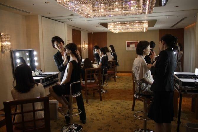 来場者全員に「タンフリュイドエクラ」をタッチアップ。美しくドレスアップされた肌でイベントに参加してもらいました