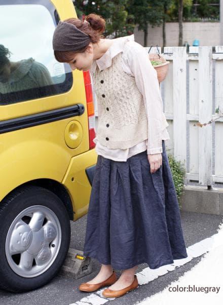 裾広がりフレアーキュロットを取り入れたコーディネート(2) (画像提供:hitaya)