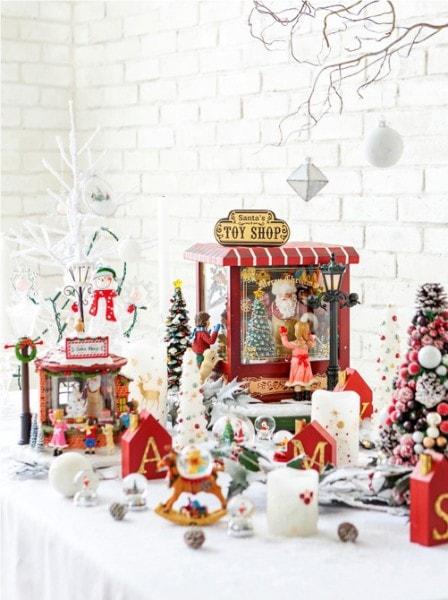 クリスマスを彩るグッズがたくさん