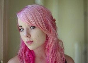 失恋した?」だなんて大間違い! 女性が髪色を変えたくなる瞬間