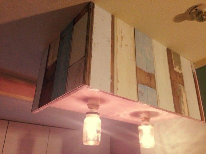 照明のまわりにも壁紙を流用
