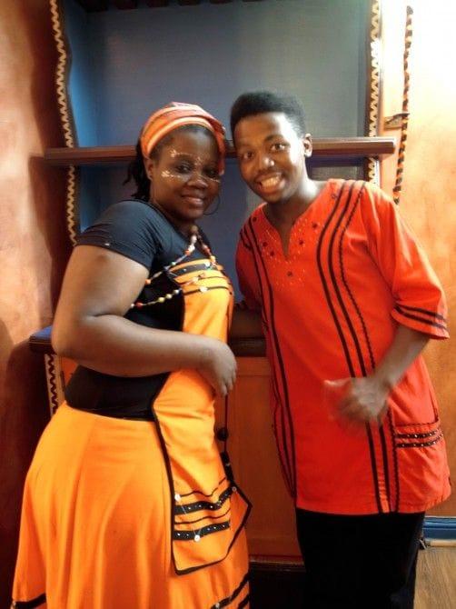 ケープタウンのアフリカ料理店で出会ったフレンドリーな店員さんたち