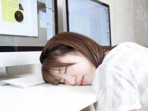 会社で徹夜を経験したことがある女性