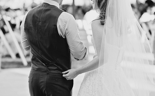 wedding-1209729_640