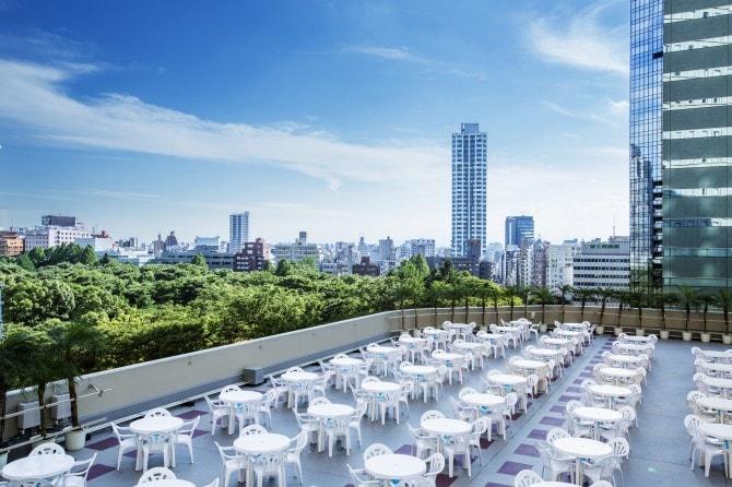 都会の喧騒を忘れさせてくれる7階からの眺望は抜群!