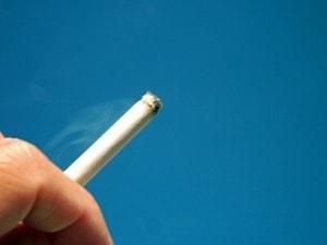 歩きタバコ
