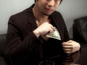 ケチ男とお金にルーズな男 彼氏にしたくないのはどっち?