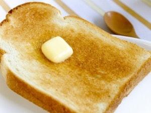 パンは焼く? 焼かない?