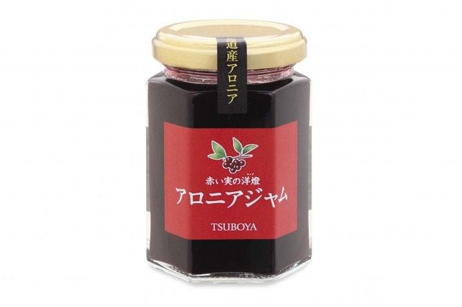 ヨーグルトにまぜて食べれば、腸も大喜び[壺屋総本舗:赤い実の洋燈 アロニアジャム 756 円 http://www.tsuboya.net/products/list43.html]