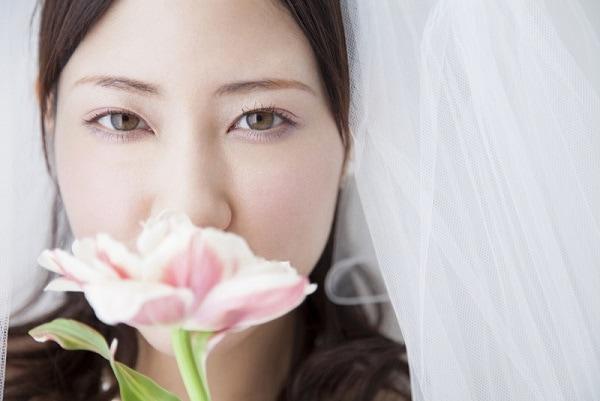 064f98bc2a41f 元カノじゃないならOK!  結婚式に新郎が女友だちを招待するのは、「あり」or「なし」?|「マイナビウーマン」