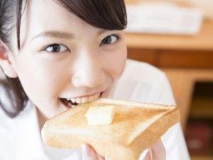 パンの賞味期限が切れてる!」何日までだったら食べる?