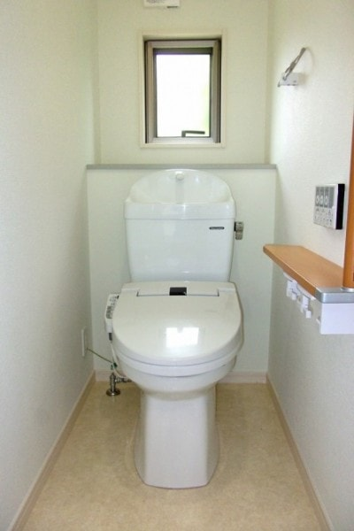 トイレのふたを閉める理由