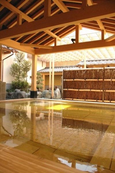 桜王の湯(女性露天風呂)