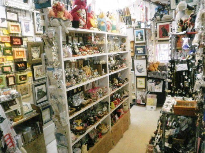 ほかの雑貨店では手に入らない、個性的な作品も多数ラインアップ。