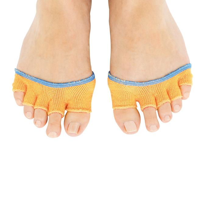 の 臭い 足 爪 親指 の