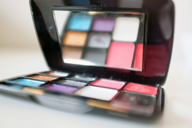PARTY MAKE UP PALETTE