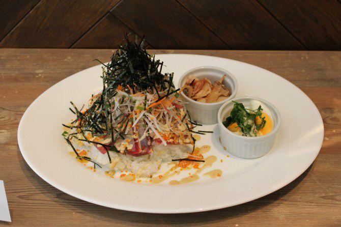 炙り三崎まぐろと旬野菜のマヨDON(1100円 3/16~3/31まで提供)