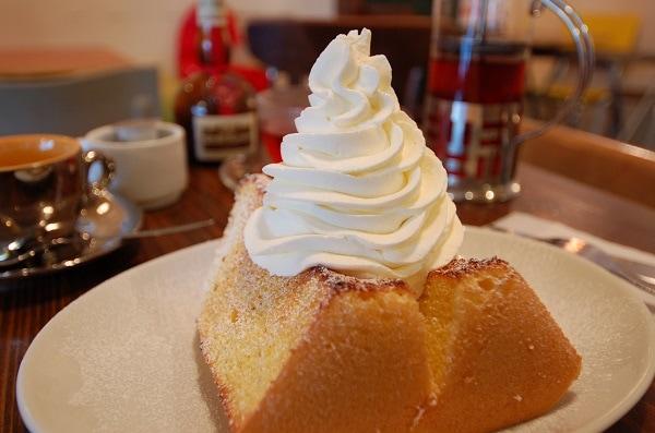 松涛ケーキ(トースト/もりもり生クリーム)