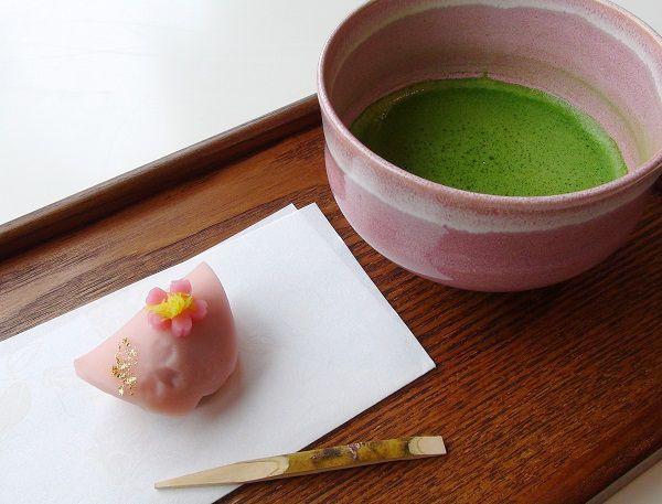 「桜の宴」と抹茶セット