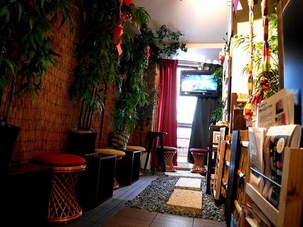 神々の森神社cafe店内
