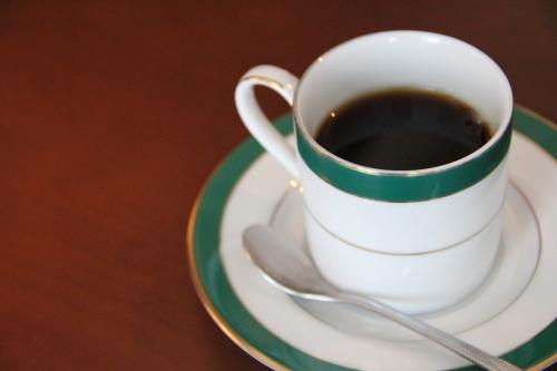 昼はカフェ・ランチ、夜はバーとして利用可能