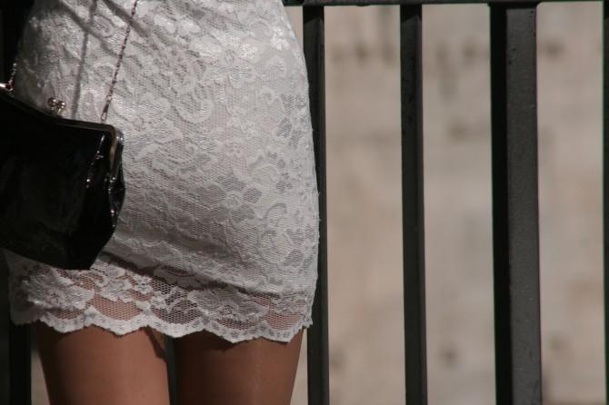 タイとスカート