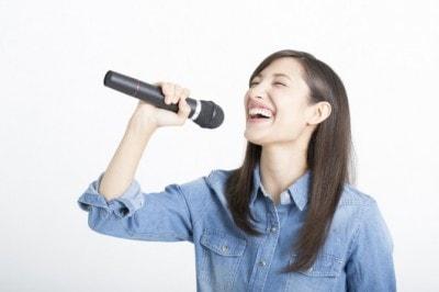 歌が上手い男性