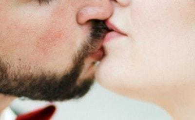 ヒゲありのキスはいや?