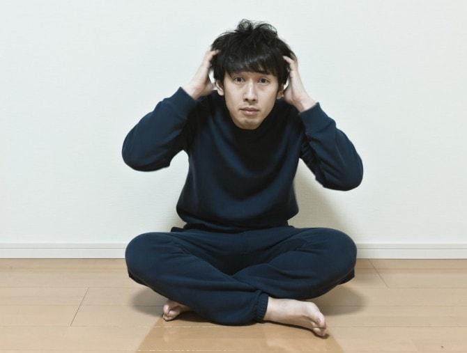 www-pakutaso-com-shared-img-thumb-pak93_atamawokakimushiru20140322