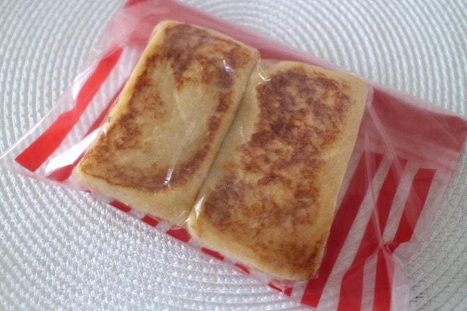 保存袋に入ったフレンチトースト