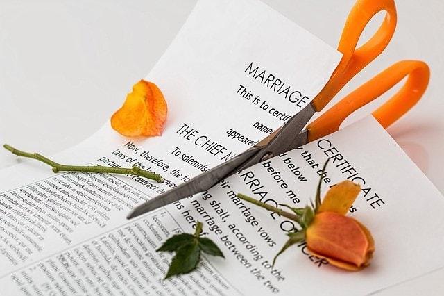破棄 料 相場 慰謝 婚約 結婚詐欺での慰謝料の相場は?既婚者が離婚したら示談金はいくら?