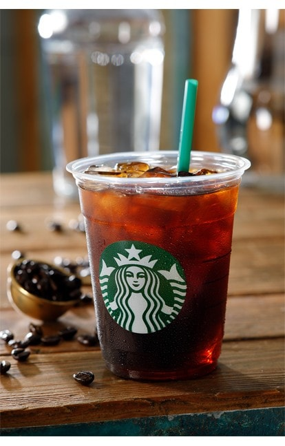 『コールドブリューコーヒー』は、特別にブレンドしたコーヒー豆を贅沢に使用。