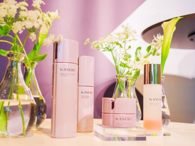 写真左より、「KANEBO」の化粧水、乳液、クリーム、美容液
