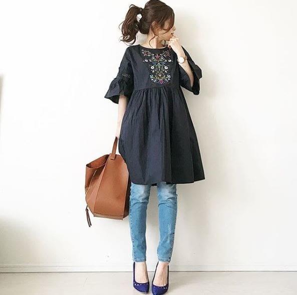 ロマンティックな刺繍ワンピース。大人はデニムで着る #東京365日コーデ