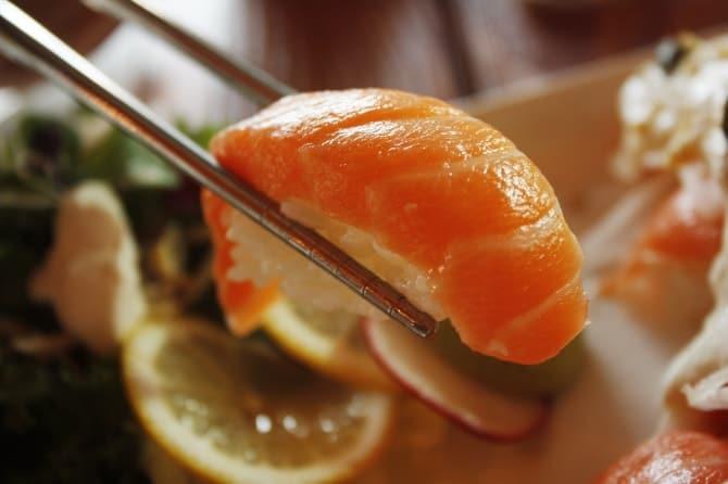 8割以上がアリ! 女性の一人寿司がおすすめな理由