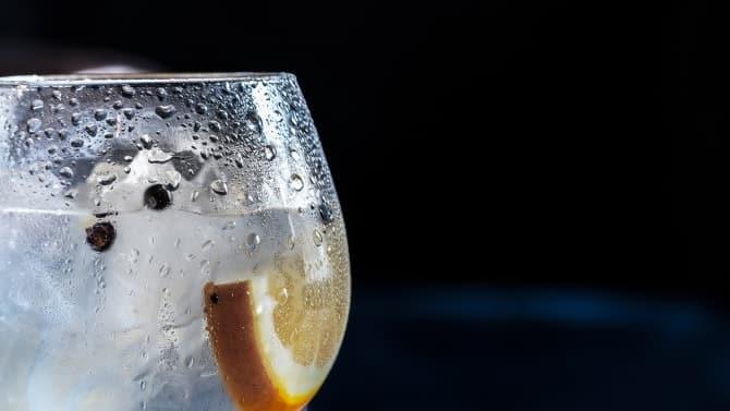 飲み会で好きな人と距離を縮める、最強モテテク5つ