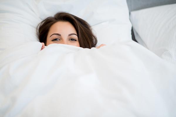 冬の掛け布団は軽くて暖かいものを選ぶべき理由とは?