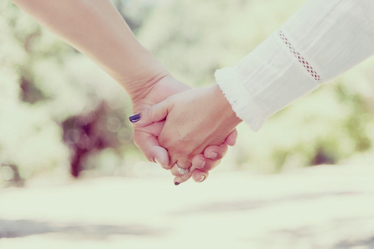 手を繋ぐタイミング