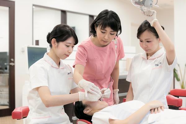 【インタビュー】今からでも目指せる国家資格「歯科衛生士」ってどんな仕事?