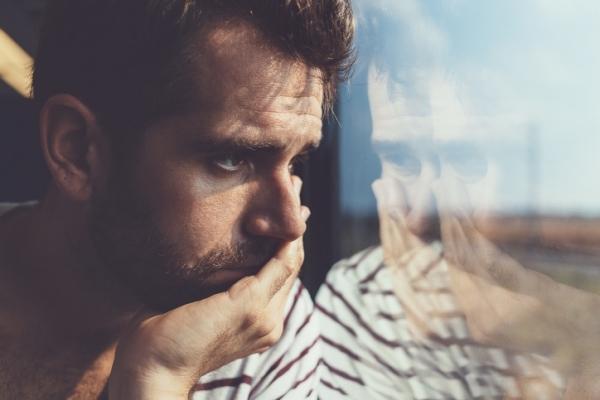 「心を閉ざす」男性の特徴とアプローチ方法