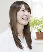 鶴田麻里子さん