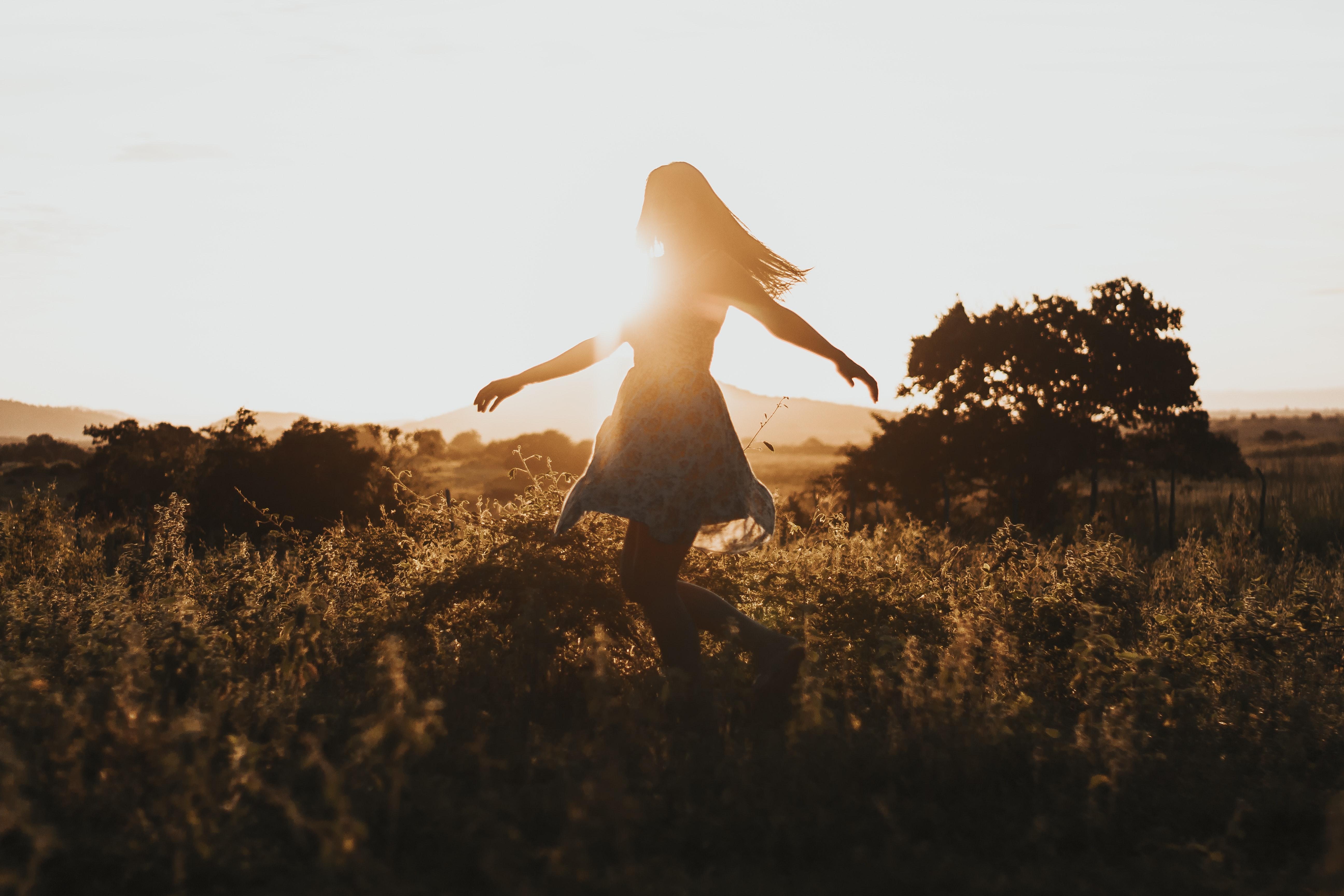 「ダンスに誘われる夢」は恋のアプローチの兆し