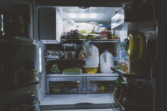【心理テスト】深夜に小腹が空いたら、何を食べる? 「あなたの浮気度」