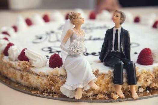 婚活女子は必見! 結婚するまでの交際期間って平均どのくらい?