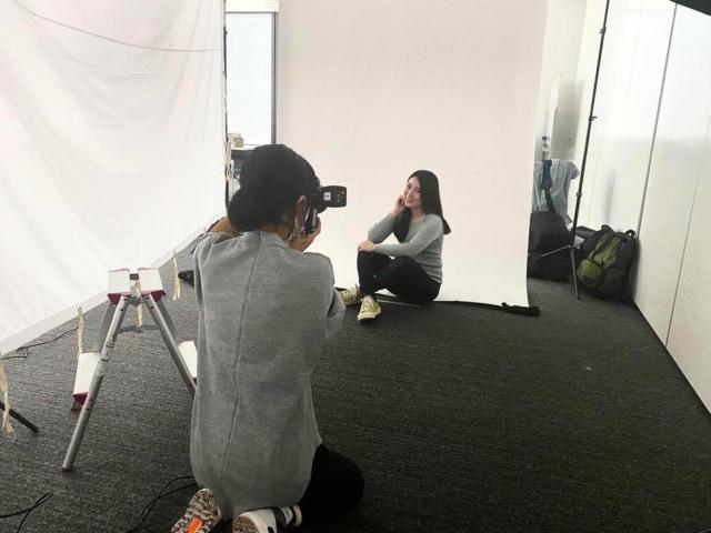 はたらくmuseの撮影へ🌷 . 来月公開予定のウェブサイト用に プロフィール写真を撮影していただきました☺️ 直前まで服装迷ったけど普段の私らしく カジュアルデニムで行ってよかった👖 スニーカーは excelsior_official で こっそり韓国好きアピールを👟  公開が楽しみです🙋♀️🍊  #はたらくmuse #マイナビウーマン #マイナビ #撮影会 #撮影 #カメラ #写真 #ポートレート #韓国好きさんと繋がりたい #韓国好きな人と仲良くなりたい #olの休日 #デニムコーデ #スニーカーコーデ